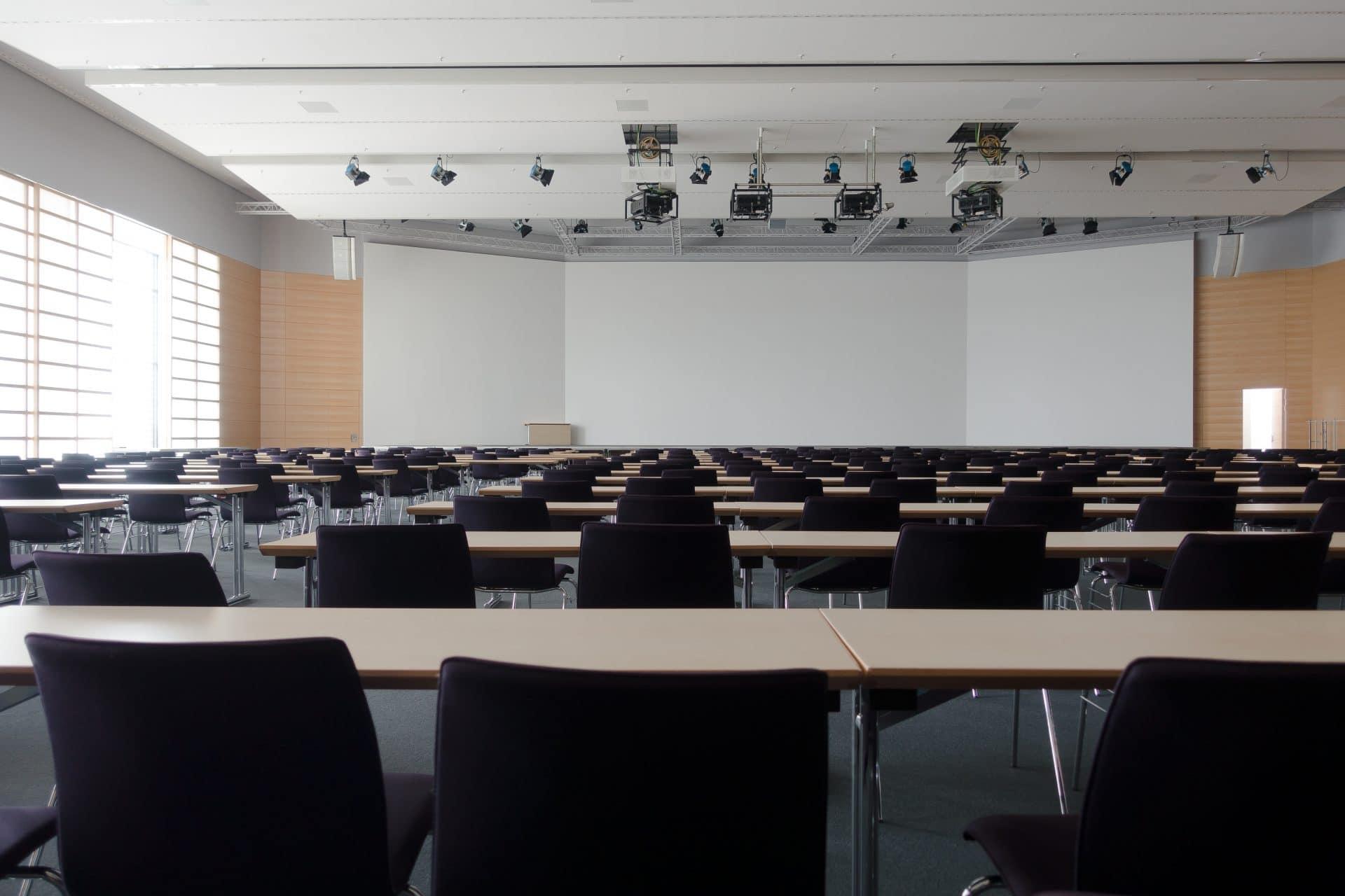 Finance News - English Universities Face Departmental Closure Threats
